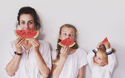 Looking for ways to make this an easy breezy summer? Here are tips to help you get through those long hot summer days with the kiddos as a nanny.