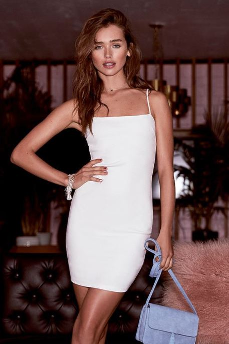 White bodycon dresses are perfect sexy club dresses!
