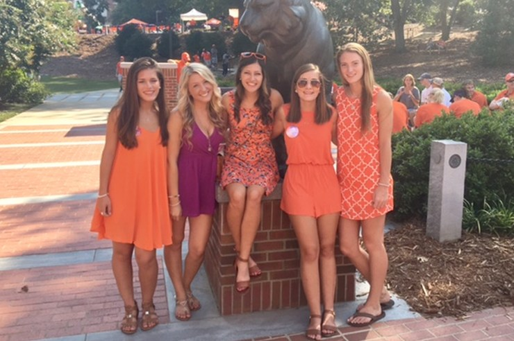 Deciding to attend Clemson was the single best decision of my life.These are the 5 reasons I chose to make Clemson University my home!