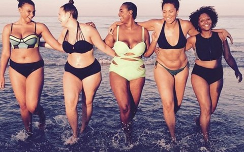 No matter if you like cute one-piece swimsuits, bikinis or high waisted bathing suits, these are the perfect swimsuits for every body type and all styles!