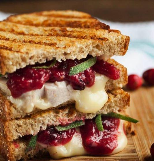 A yummy turkey sandwich!