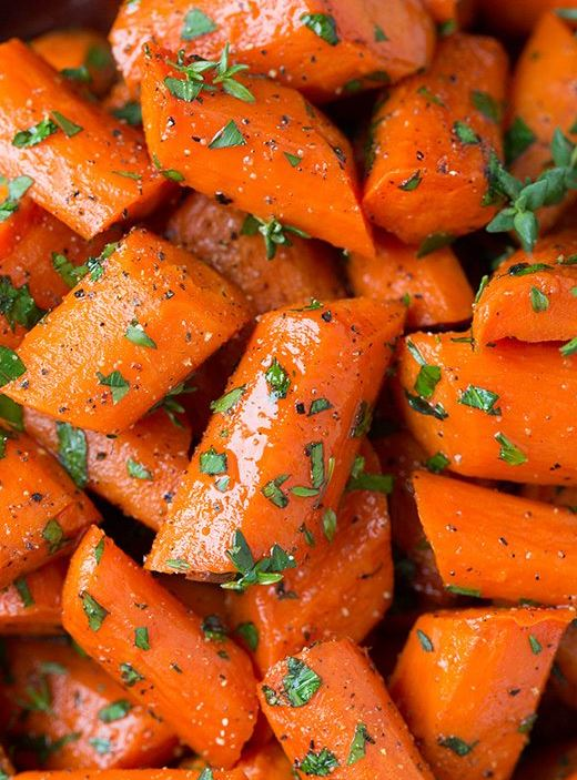 These honey roasted carrots are a delicious Friendsgiving recipe!