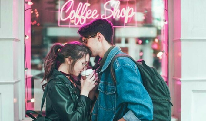 Need date ideas near the University of Oregon? We've got you covered. Here are 15 cheap date ideas near the University of Oregon that you'll have fun doing.