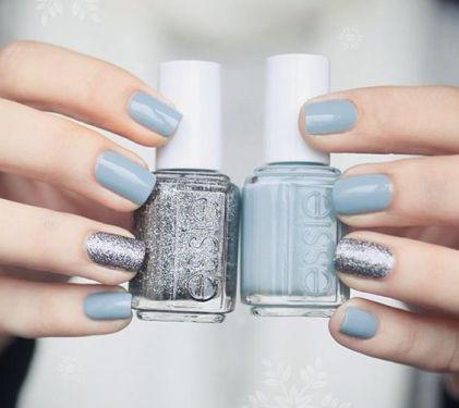 Blue wedding nails!
