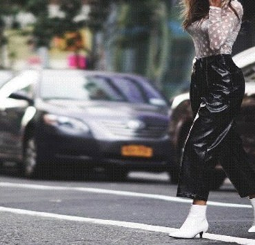 Coming into your own is crucial. Here's 10 ways to find your personal style. Having your own unique style is important and helps you stand out! Fashion must