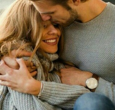 Dating can be so much fun, but it can also be really complicated. Whether you've been dating for days or months, here are 10 signs shes not that into you.