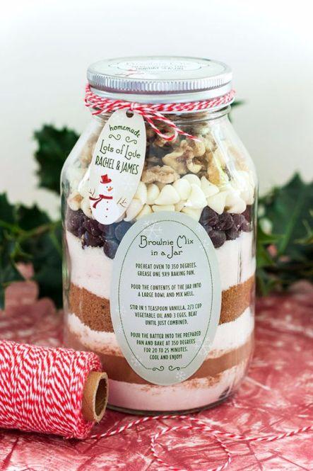 Easy Christmas mason jar gift ideas!