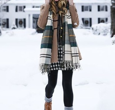 These cute cold weather outfits are perfect to combat the freezing temps of winter! Try these warm clothing ideas for stylish, classy, and casual looks!