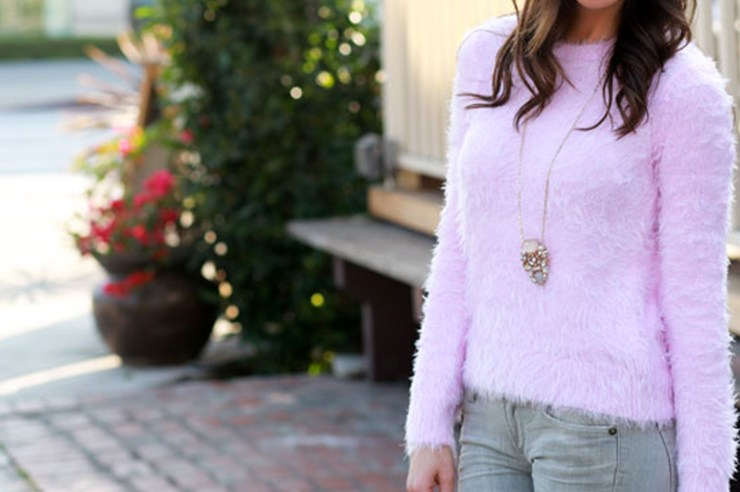 A fuzzy sweater is a winter wardrobe staple. Whether it be a pink fuzzy sweater or a fuzzy cropped sweater, fuzzy sweaters in general are winter must-haves!