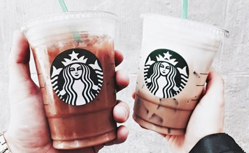Starbucks is a go-to for class days, so here are 10 Starbucks healthy breakfast options under 320 calories so you can choose what's best for you!