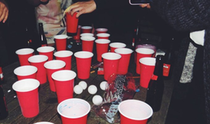 Here are some tips for staying safe at college parties. if you're a freshman or wondering what the college scene is like, these tips will be super helpful!