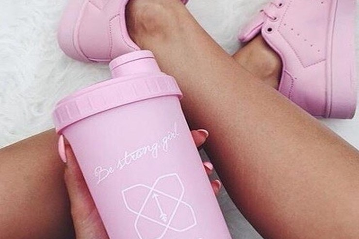 There are a lot of benefits that come with protein powders. Keep reading for 5 of the best protein powders for women to try!