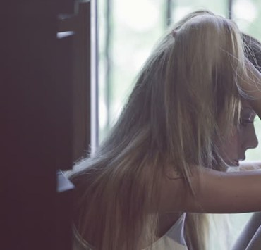 If you're depressed at college and aren't sure of how to handle it, then just know that you don't have to go through it alone! Depression in college students is a normal thing, especially with freshman as it's their first time being away from home. Here's how one student got their mental health in the right place.
