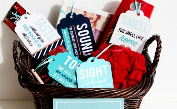 If you're feeling creative this Valentine's Day, then these DIY Valentine's Day gifts are the perfect present ideas for the boyfriend or girlfriend in your life! Homemade gifts are always better then store bought, so create one of the presents for Vday!