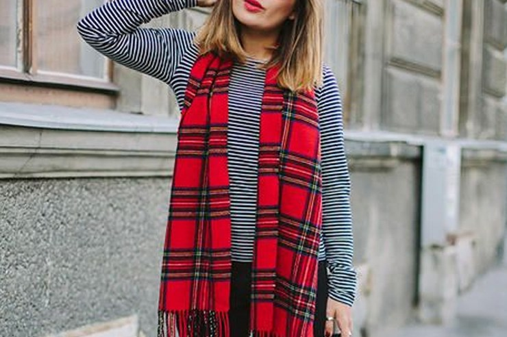 If you're looking to find cute plaid scarves for women, these blanket and infinity tartan scarves are the perfect gift for the holidays or in general!