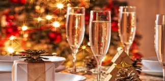 Christmas Dinner Alternatives are a lot of fun. Find out the best Christmas dinner alternatives that aren't ham. These Christmas dinner recipes are priceless and delicious.