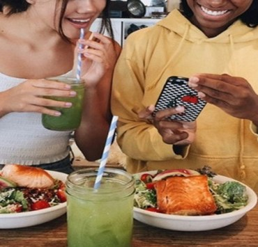 If you go to Michigan State University and you're trying to stray away from unhealthy college food and lean towards a healthier diet, read these 10 recommendations on health foods offered on or near campus!