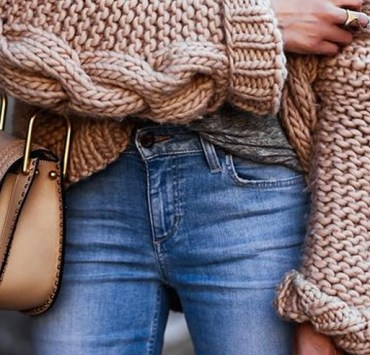 If you're heading off to school in the mid-west, then these are the college student fashion trends that you need to go out and get! Chicago can be a pretty fashionable city, so you want to dress to impress!