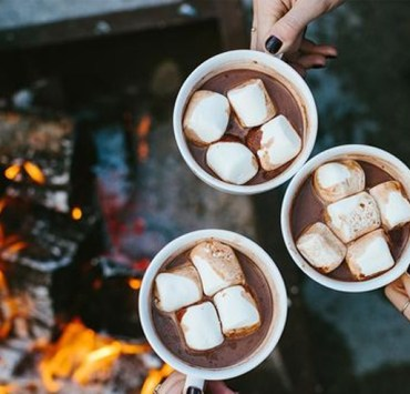 If you're sipping on a cup of hot chocolate and wondering the differences between hot cocoa vs hot chocolate are, then we have the answer!