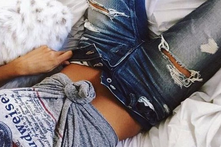 If you're looking for a pair of cute cheap jeans for women, then these websites are the places to grab them! The styles range from high wasted, biker, skinny, boyfriend, white, and more! Not to mention, they all have an inexpensive price point!