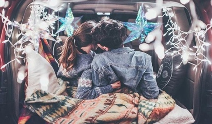 If you're in college with a girlfriend, then these are the best cheap date ideas for college students that you need to try! From restaurants, to stay at home dates - your girlfriend will love these date night ideas!