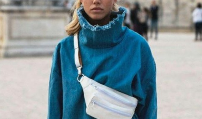 Fanny packs are back in style! These cute fanny pack outfit ideas are both fashionable and stylish! If you're a fan of the 90's, then you'll love these cool belt bag outfits.