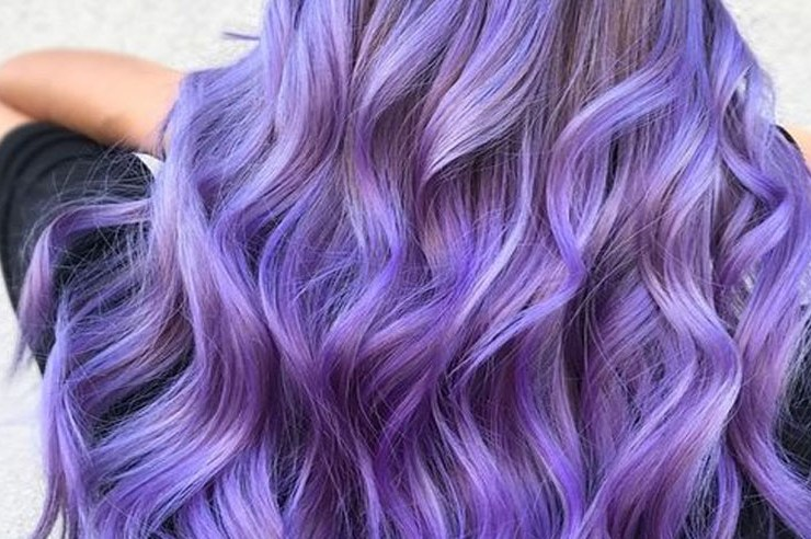 Are you looking to spice up your old hair and try something fun? These are the newest hair color trends that you need to try out immediately. 2018 is full of new hair color trends will make you feel brand new and confident.