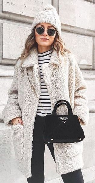 This teddy coat outfit idea is so cute for winter!
