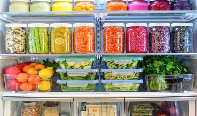 When you are feeling lazy or organic food doesn't fit your budget, look to these. I LOVE a good farmers market and fresh veggies, however, studies suggest frozen veggies have just as many nutrients as their fresh counterparts. Here are 10 healthy frozen foods you should always have in your freezer.