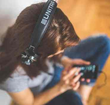 Podcasts are becoming more and more mainstream to listen to, especially among millennials. They are a perfect thing to listen to on your commute to campus. Check out these best podcasts for college students that'll actually help you!