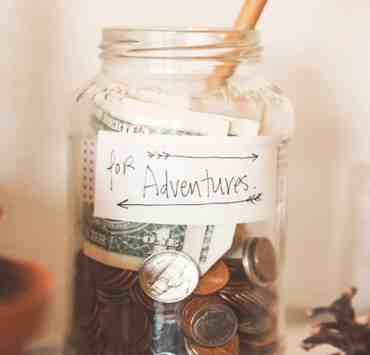 Being a college student calls for saving as much money as possible. Between tuition, textbooks, rent, and other living expenses, the cost of college is staggering. However, here are the 10 best ways for students to save money in college.