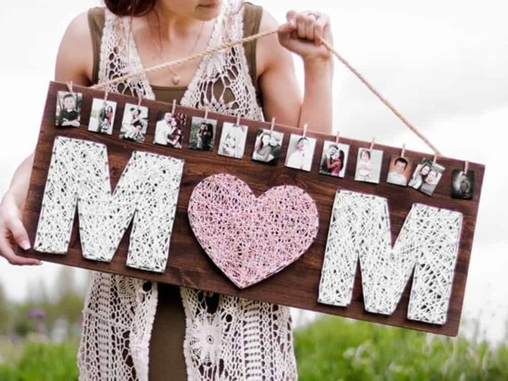 They deserve the world on Mother's Day, but it can be difficult to afford something nice for her while on a student budget. There are gifts you can get your mom without having to break the bank. Here are 15 Mother's day gifts on a budget for moms that rock our world!