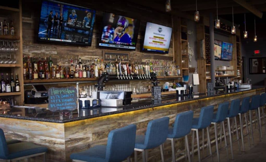 Best bars to watch the Astros games at.