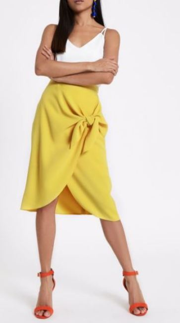 Take a look at the best petite clothing stores on the market!