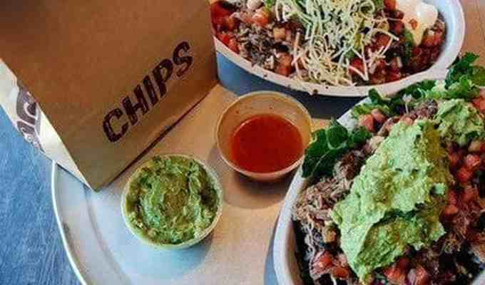 I was pretty surprised to see the Subway-style layout of the ordering system and the vast array of food options they provided. Here are some Chipotle hacks you need to know for your next Chipotle trip.