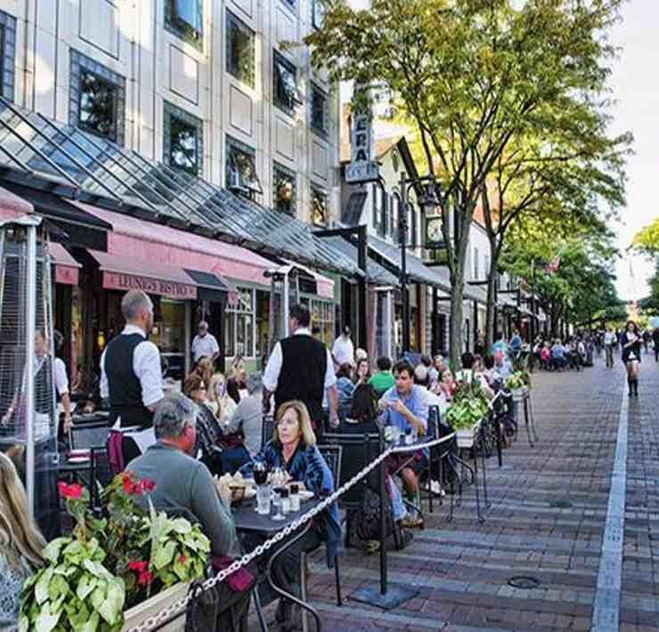 Burlington is a small city but not all of its treasures are out in the open. Some are not very obvious or are easily missable. And once found, a whole slew of opportunities comes forth for their discoverer to enjoy. Here are just eight of the hidden gems in downtown Burlington.