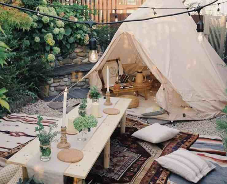 If you are looking to up your camping game, and maybe take a giant step closer to glamping rather than roughing it camping, here are some easy steps you can follow the next time you head out of the city that will give you the feel of glamping with the price tag of camping.