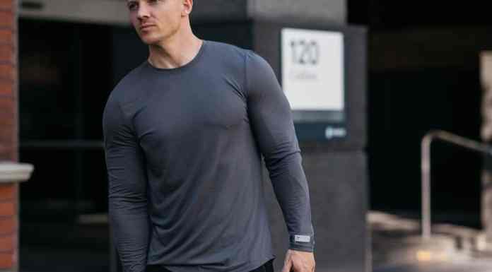 We found the best men's fitness apparel brands that offer affordable, stylish and functional clothing for working out. These sports clothing brands are designed with athletes in mind to create optimum athletic apparel and performance wear. These top athletic clothing brands are cheap and great quality.