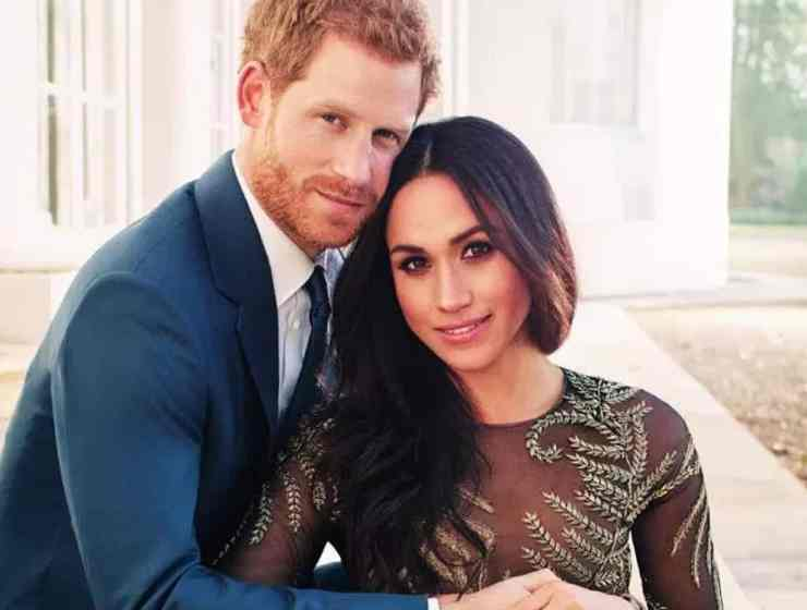 With the royal wedding approaching, royal themed party decor is on the rise. For those of you who are searching for the perfect royal wedding viewing party decor, take a look at my list of essential decorations that you need to order right now!