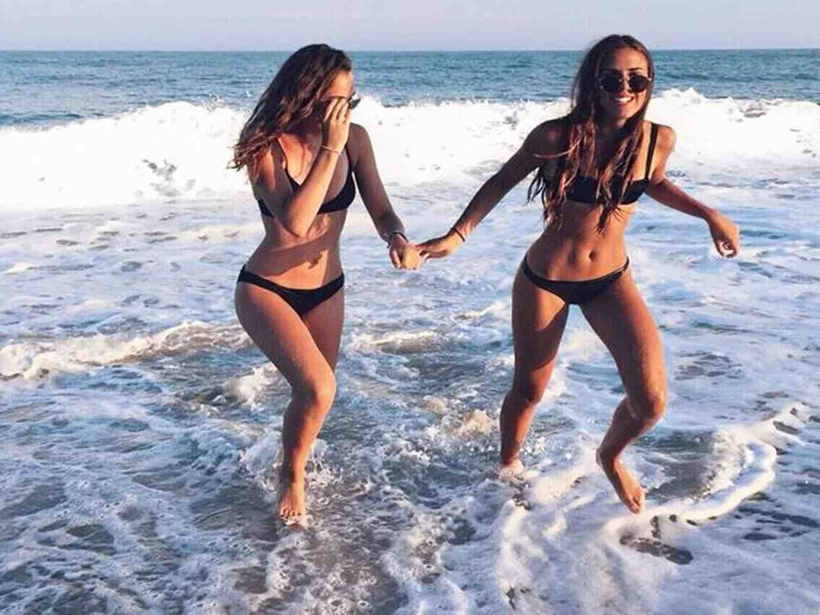 Summer is vast approaching so we got to do what we got to do if we want our bodies to be beach bod ready! You don't necessarily have to go to the gym though to achieve your beach body goals. Here are 5 simple workouts you can do to get your body ready.