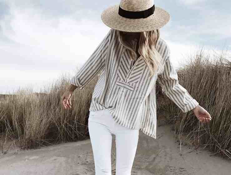 If you're stuck wondering what to wear with white jeans on a night out, there are so many options to choose from. Whether you're going clubbing or just keeping it casual - these are the best ways to dress up those white pants!