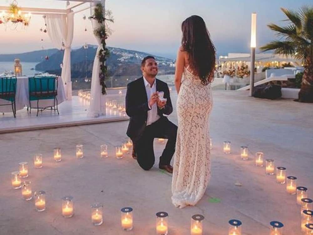 Every wonder what happened to all the couples from the bachelor and bachelorette? Well here are a few updates on some of the most memorable couples!