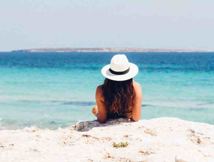 7 Crucial Items To Bring For Your Tropical Summer Vacation
