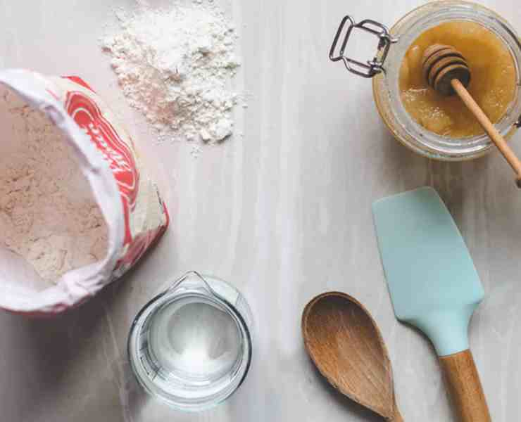 If you're looking for some cooking hacks to make your life a bit easier, then these tips will definitely give you the upper hand in the kitchen! Check out some of the best cooking hacks we know!