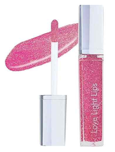 Take a look at this hydrating good lipstick.