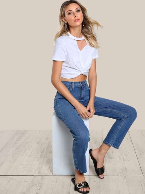 Check out these white tee outfit ideas!