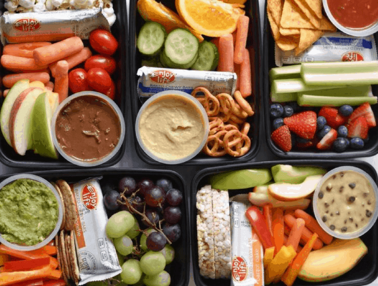 Here are the best healthy snacks to keep in the dorm room, to keep busy college students satisfied. Who says snacks can't be both delicious and healthy?