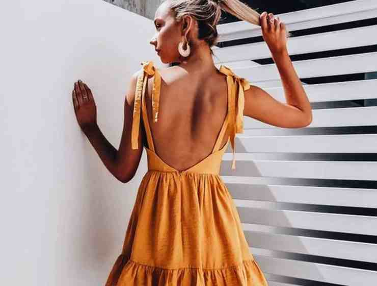These fall wedding outfit ideas are the perfect guest dresses for an evening wedding that won't outshine the bride, but still are really cute !