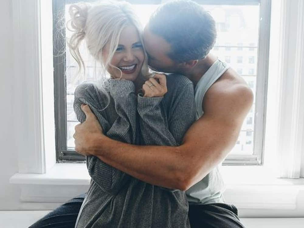 If you think you could possibly have feelings for one of your good friends, take a look at this list of signs you are in love with your best friend!