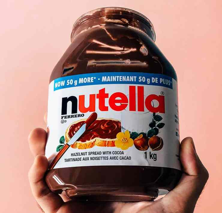 Nutella is wonderful, that's not up for debate. But if you're stuck wondering what to eat with Nutella in your dining hall, worry no more. Here it is.